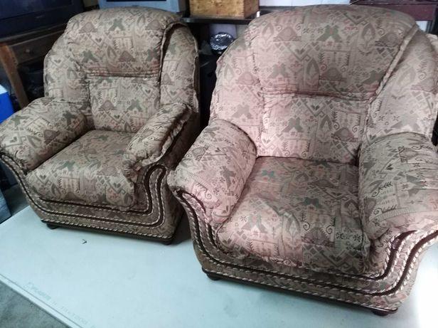2 sofas em tecido