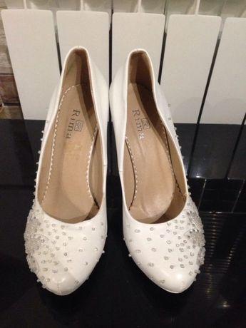 Продам туфли свадебные