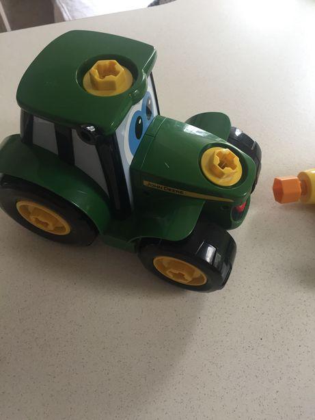 Traktor do samodzielnego złożenia John Deere