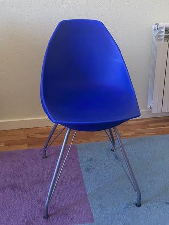 Cadeira estilo moderno