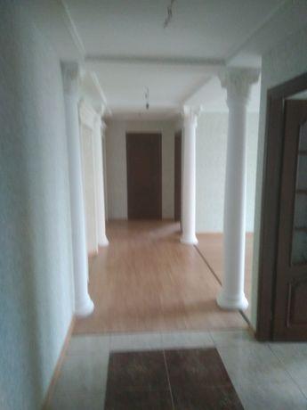 Сдаю длительно квартиру 120 кв.м