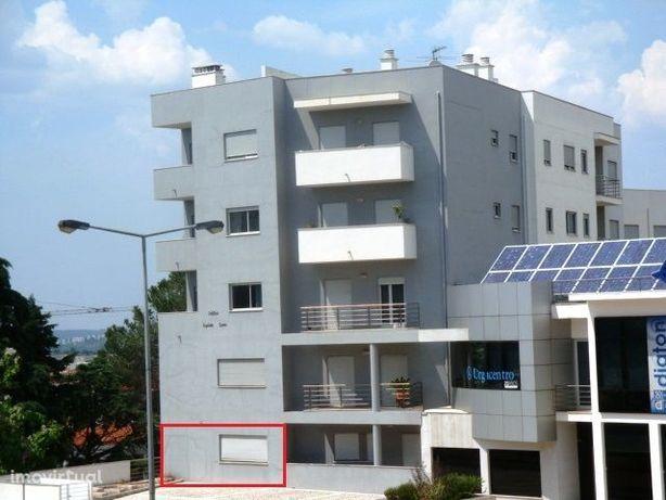 T1 + 1 - Olivais - Jtº Hospitais; Escola Enfermagem; Fac. Economia