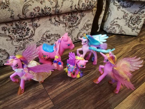 Zestaw zabawek kucyków Pony kucyki śpiewające,swiecace.Ruszają skrzydl