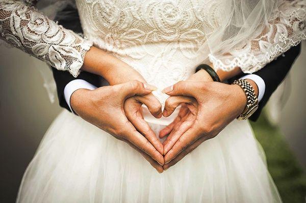 Чистка  свадебных платьев