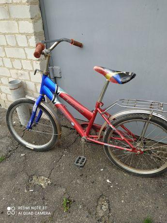 Продам велосипед подростковый на ходу. 300гр2н.