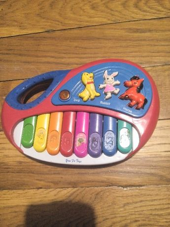 Детское музыкальное пианино.