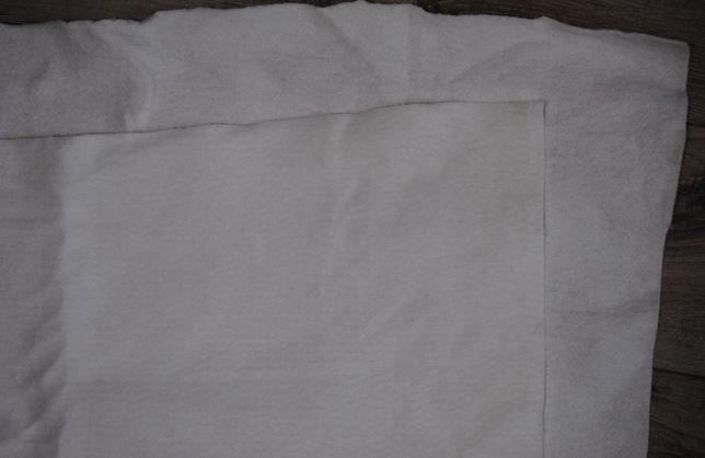 Нетканое полотно, ткань утеплитель белый для одежды 118*218 полиэстер