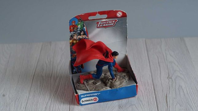 Фигурка Schleich сражающийся супермен