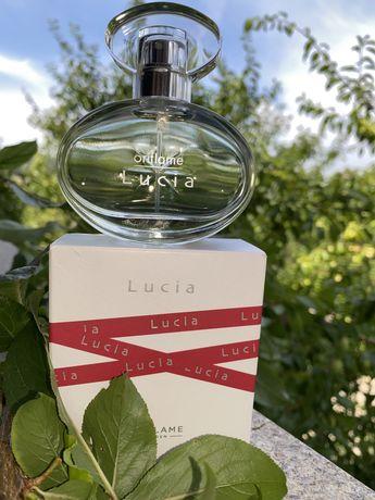 Perfume senhora Lucia