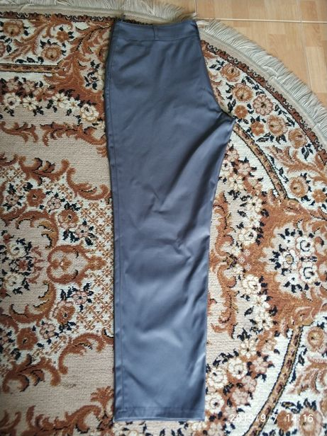 R. 50 Spodnie szare eleganckie proste