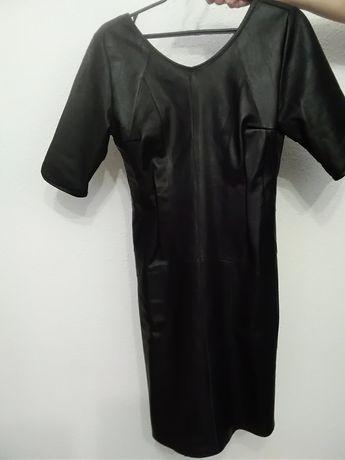 Sprzedam sukienkę że skóry naturalnej rozmiar 36