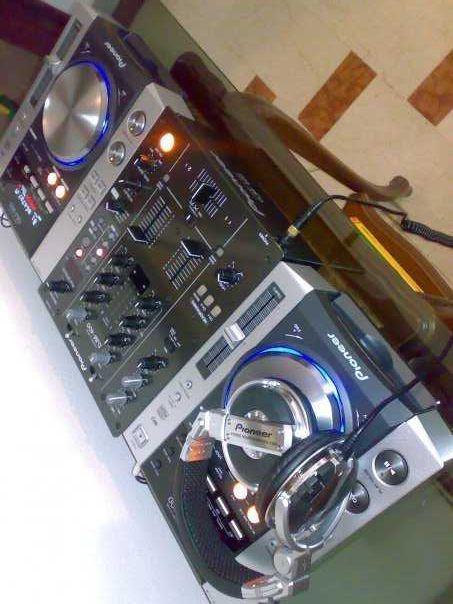 Sprzedam 2 x Cdj 200, Djm 400 Case z okablowaniem (DJ ,Mixer, Pioneer)
