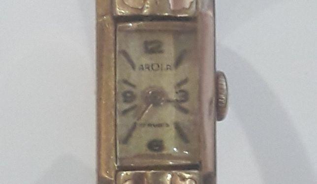 Продам часы женские швейцарские с позолотой