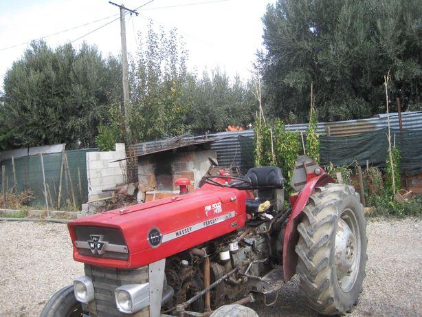 Vendo Tractor MASSEY FERGUSSON 135 e rspctivas alfaias