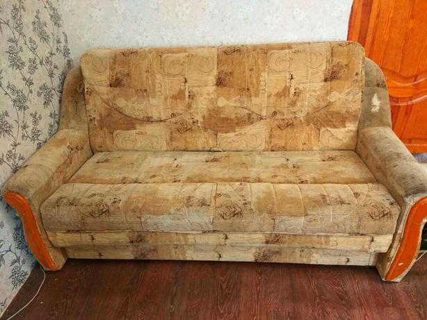 Продам диван под перетяжку ремонт