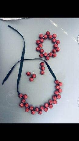 Sztuczna biżuteria korale naszyjnik zara