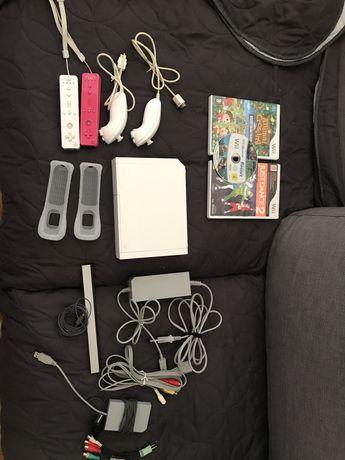 Wii com acessórios e 3 jogos