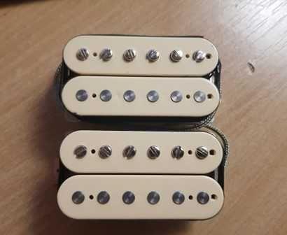 Set Deacci Vintage One (humbucker neck and bridge do Gibson)!