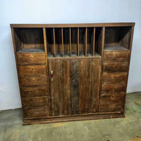 Móvel centenário madeira para continuar restauro...