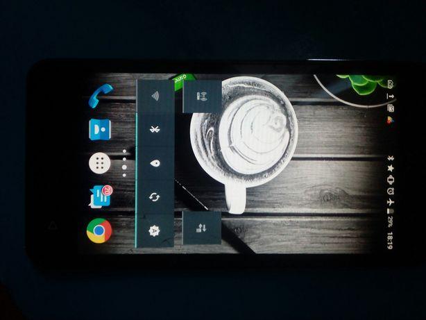 Смартфон GSMART Classic