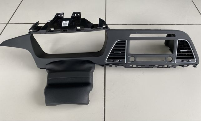Центральна панель торпеды Hyundai Sonata LF 2014-2017
