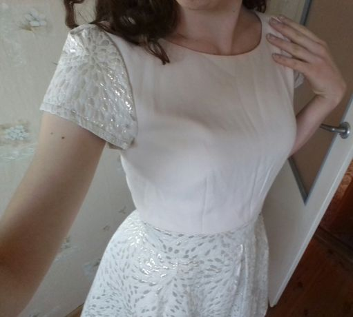 Piękna Sukienka Infinity ze złotymi elementami - r. S