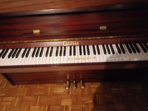 Sprzedam pianino Calisia. Stan idealny