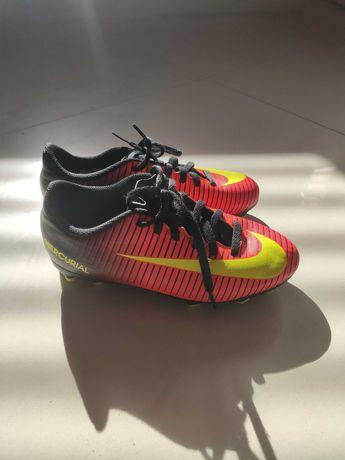 Korki Nike rom 33