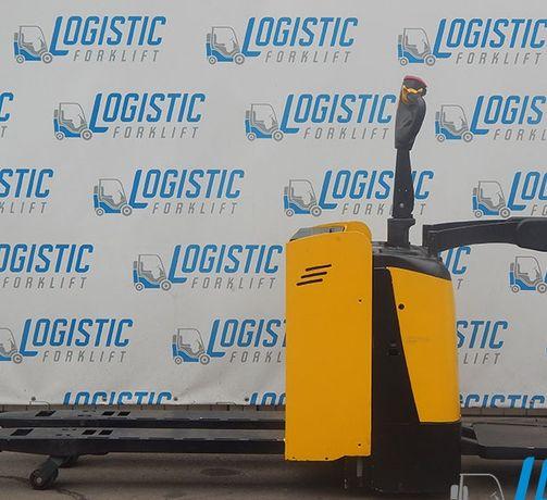 Самоходная платформа для транспортировки грузов массой до 2 тонн.