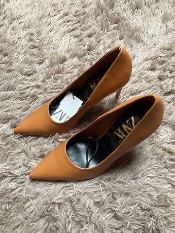 Brązowe szpilki Zara 39