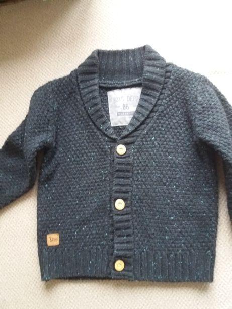 Chłopięcy sweterek Reserved