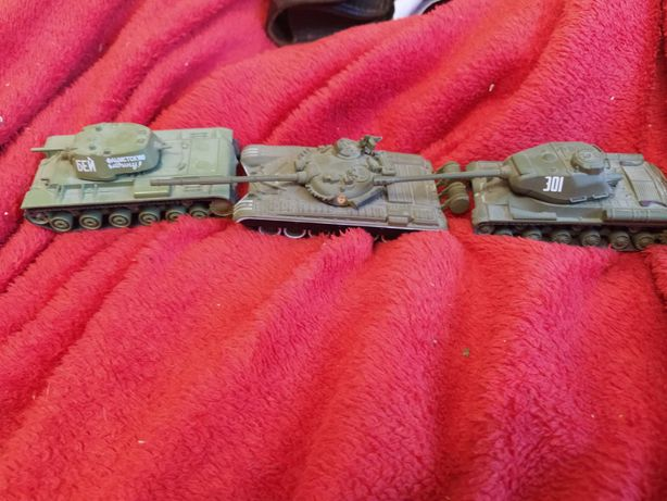 Коллекционные модели танков (металл)