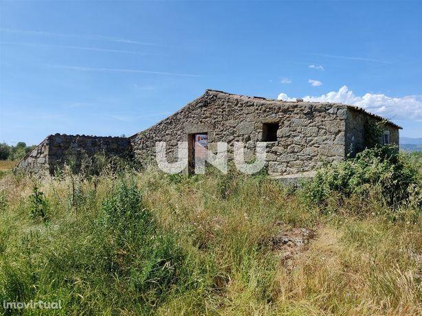 Quintinha para venda em Valverde, concelho do Fundão.