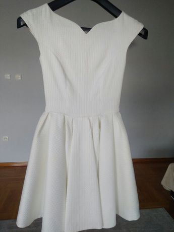 Suknia biala bardzo szczupłe 34