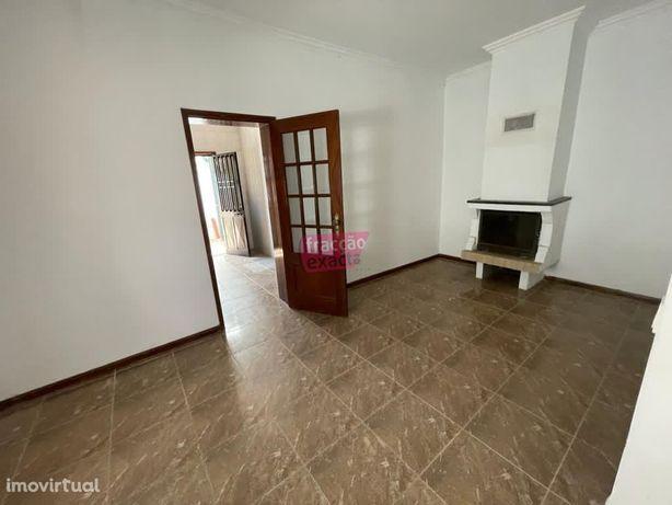 Casa Térrea T2 + anexos + terreno - Ermesinde