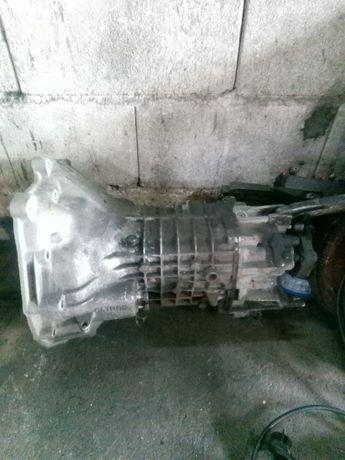 Caixa de velocidades. BMW E30.    316i