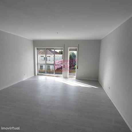 T2 Remodelado, Travagem / Ermesinde, Lugar Garagem