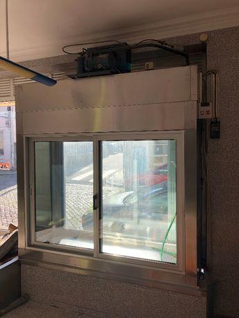 Montra / Vitrine de Refrigeração em Inox motor DORIN para talho, etc