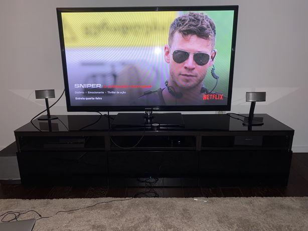 Móvel de televisão