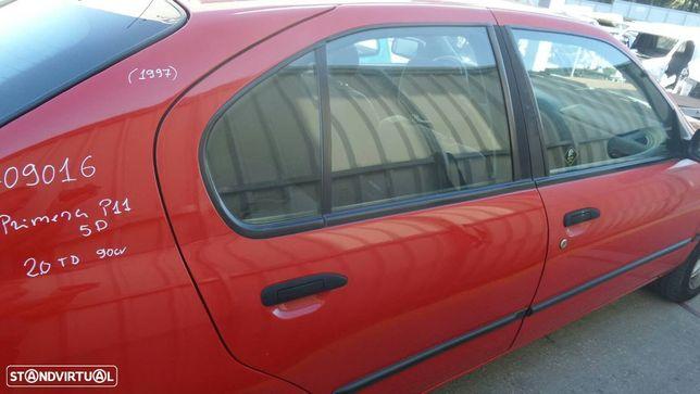 Porta Trás Direita Nissan Primera Hatchback (P11)