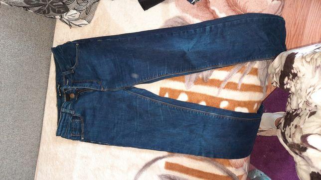 Продам джинси, розмір 42-44, майже нові