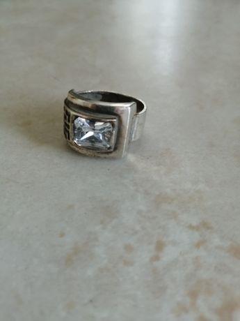 Эффектное серебряное кольцо, 18.5 р-р
