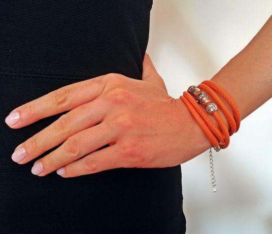 Nowa bransoletka na rzemyku - pomarańczowa