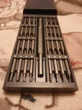 Отвёртка с набором магнитных бит из 63шт.