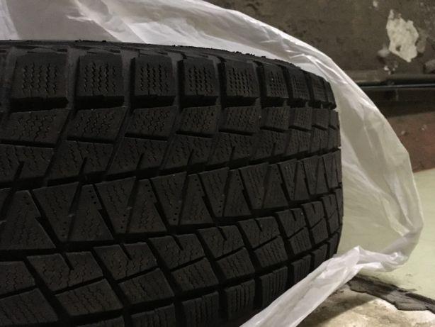 Зимняя резина Bridgestone Blizzak DM-V1 255-60-17 на легкосплавных дис