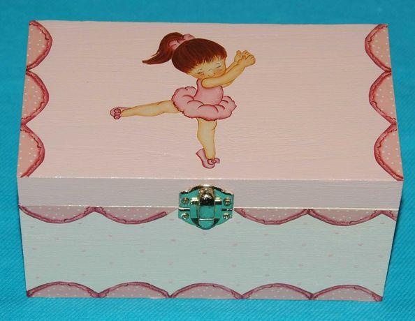 Caixa de madeira bailarina rosa com decoupage pintada à mão (nova)