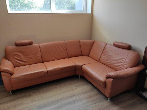 Кожаный уголок и кресло