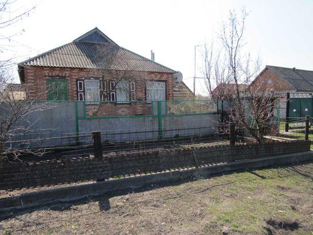 Продам дом в поселке Вильхуватка Чутовский р-н Полтавская область.