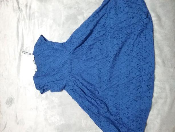Niebieska rozkloszowane z koronką