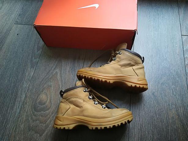 Nike super traperki skóra naturalna r. 28 jesienne timberland